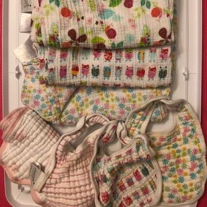 Aden & Anais Swaddles, Bibs, Burp Cloth bundle